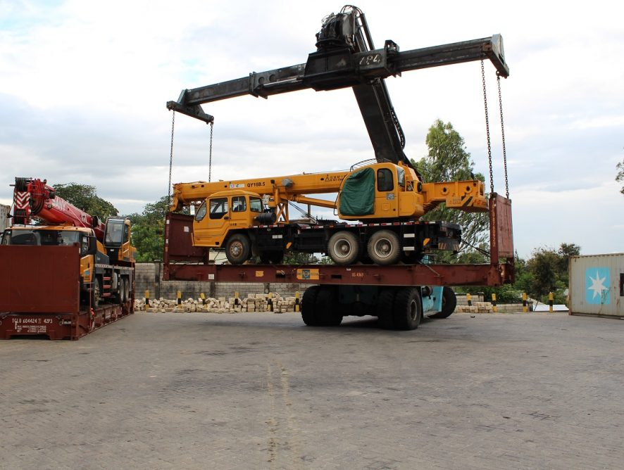 Heavy-Equipment-handling-1.jpg